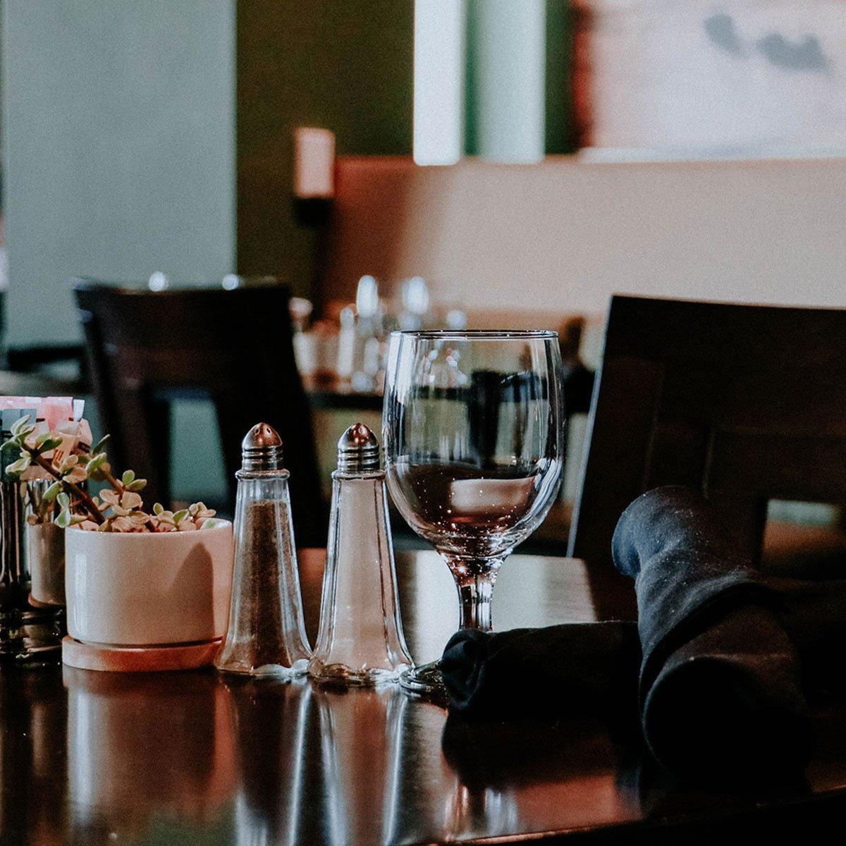 Avesta interior table setting